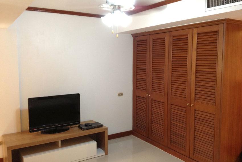 Omni-Tower-3-bedroom-sale-builtin