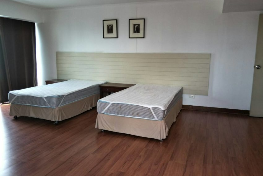 Omni Tower Nana Sukhumvit 8 3b3b sale - bedroom