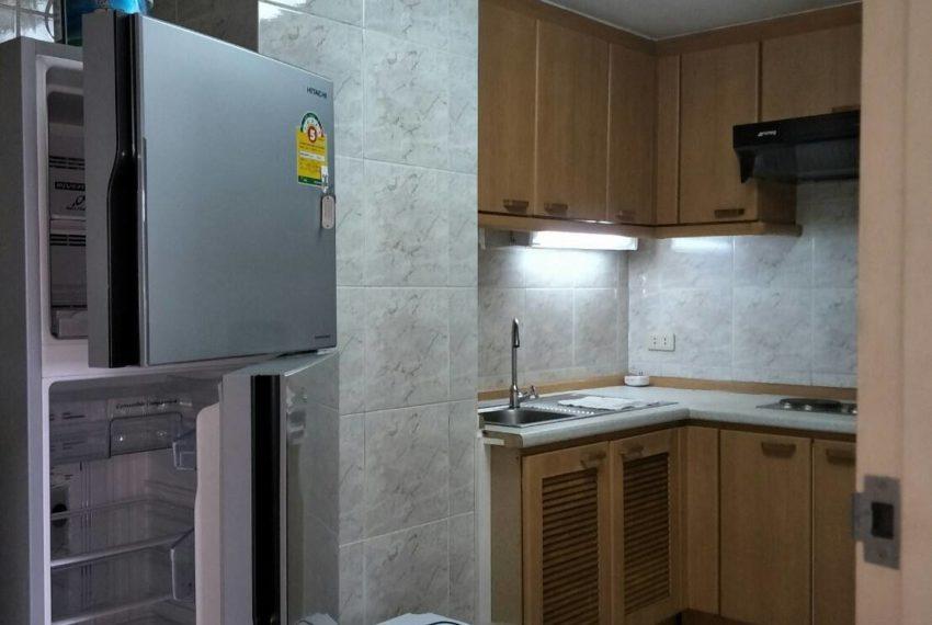 Omni Tower Nana Sukhumvit 8 3b3b sale - refrigerator