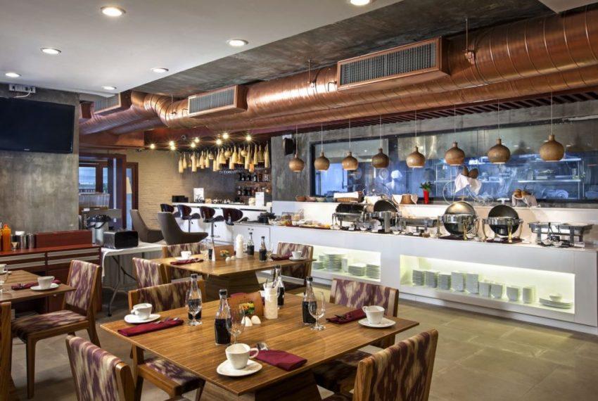 Omni Tower Nana Sukhumvit - onsite restaurant