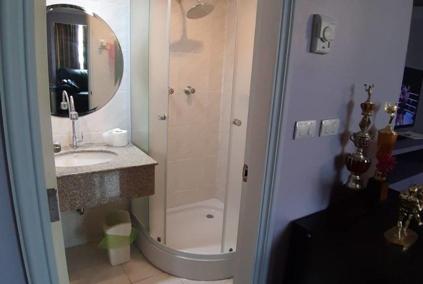 Omni Tower Sukhumvit Nana - 2 bedroom - sale - toilet