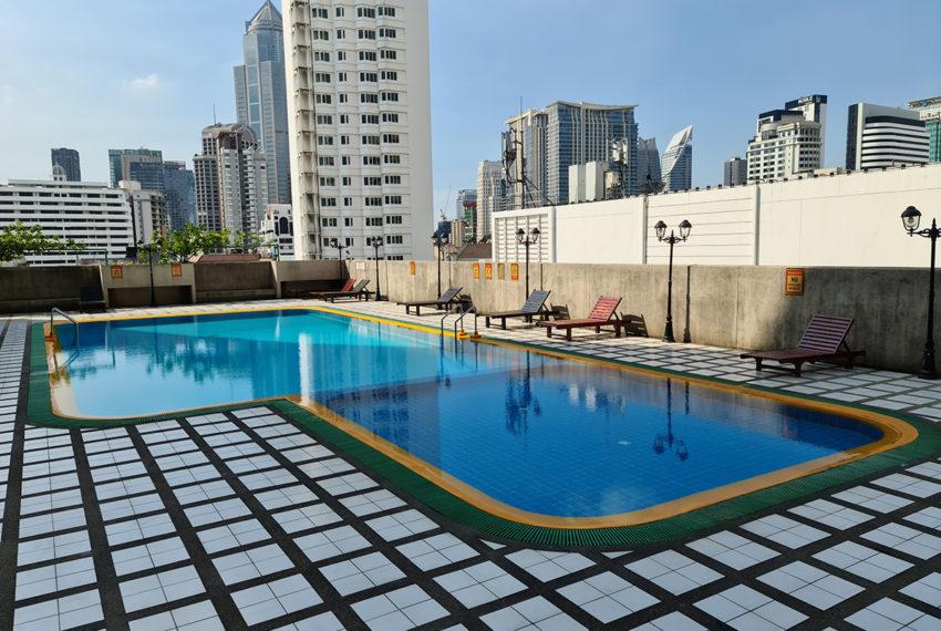 Omni Tower - pool 1