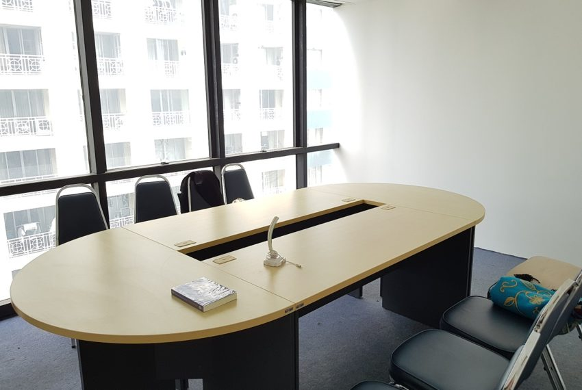 PS Tower Asoke Office for sale - meeting room 01