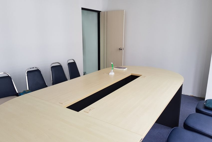 PS Tower Asoke Office for sale - meeting room 02
