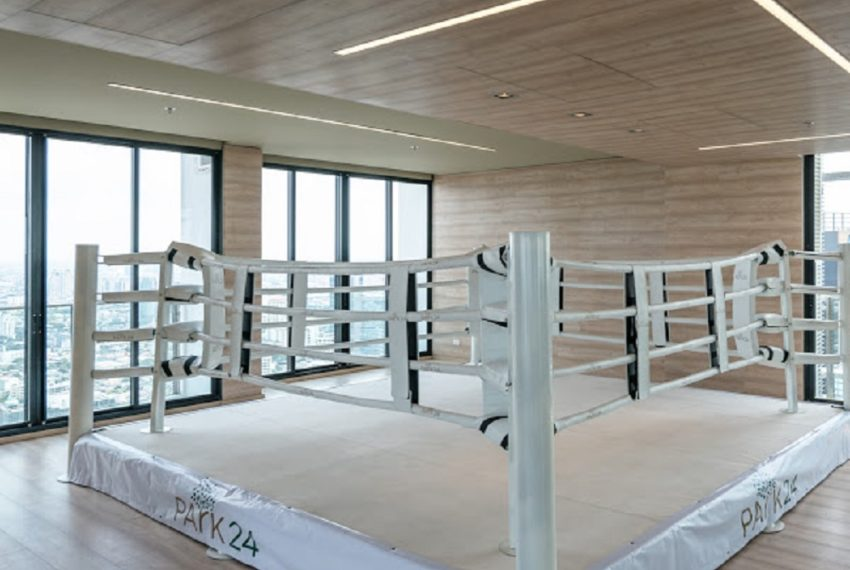 Park 24 condominium in Phrom Phong - boxing ring