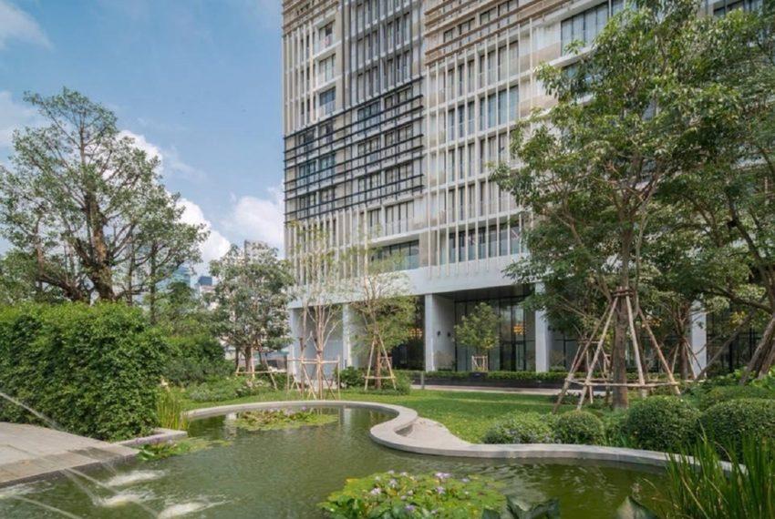 Park 24 condominium in Phrom Phong - gaden