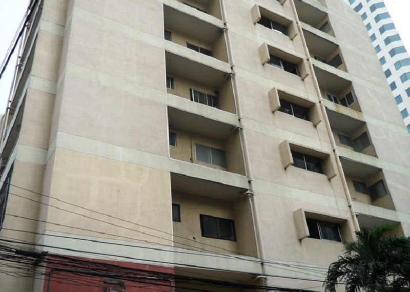 Prasanmit Condominium near Sukhumvit MRT - tower
