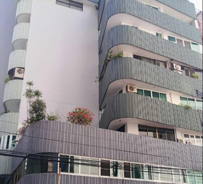 Premier Condominium Sukhumvit 24 - building