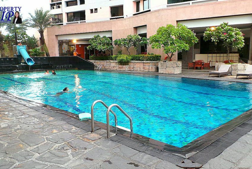 President Park View Towers Sukhumvit 24 - swimming pool