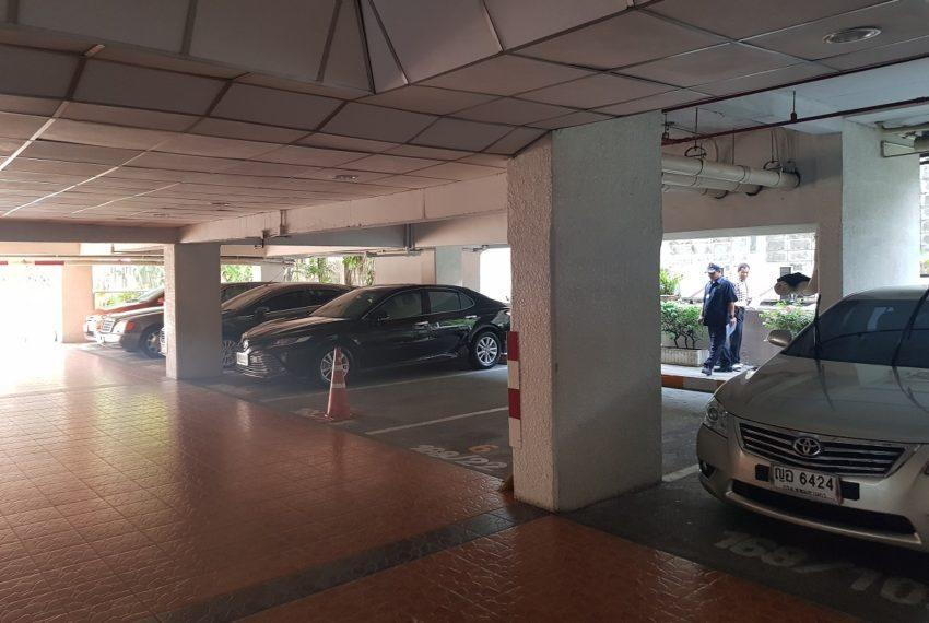 Prestige Tower Condominium Sukhumvit 23 - parking