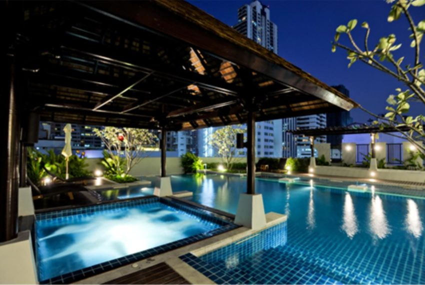 Prime-Sukhumvit-11-Asoke-Nana-swimming pool 02