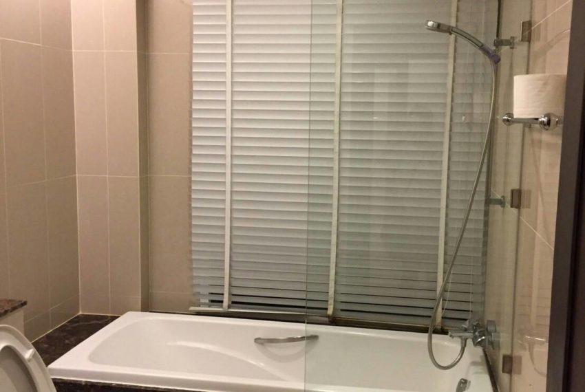 Prime Sukhumvit 11 - toilet 01