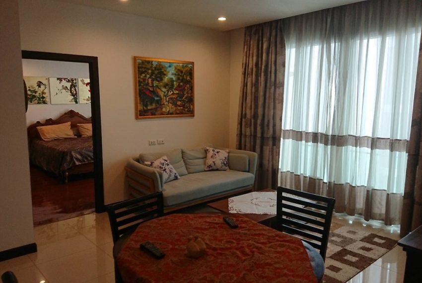 Prime11_2b2b_living room p.1