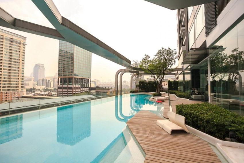 Pyne by Sansiri condominium - swimming