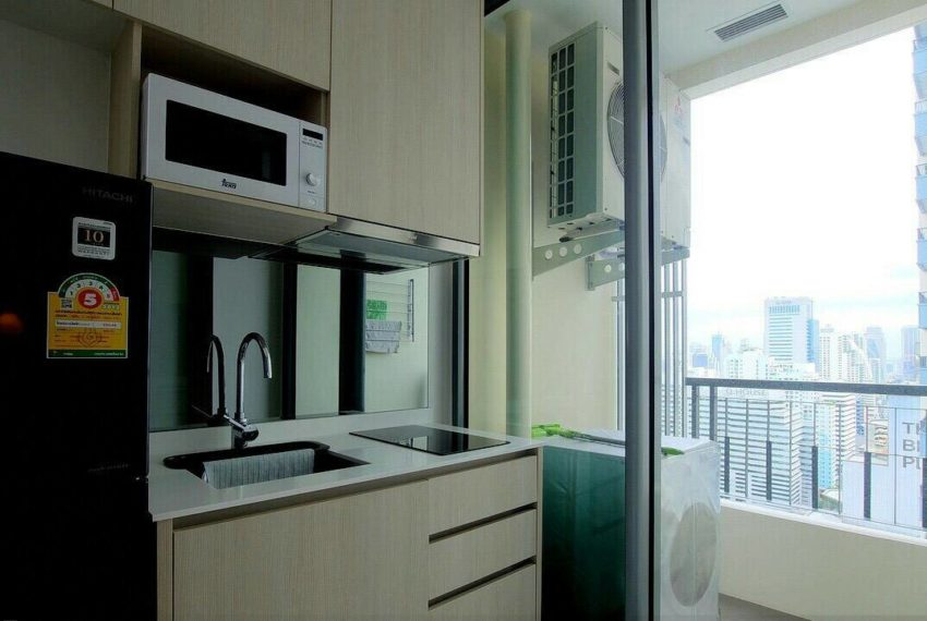 Q-Asoke-1-bedroom-sale-high-floor-balcony