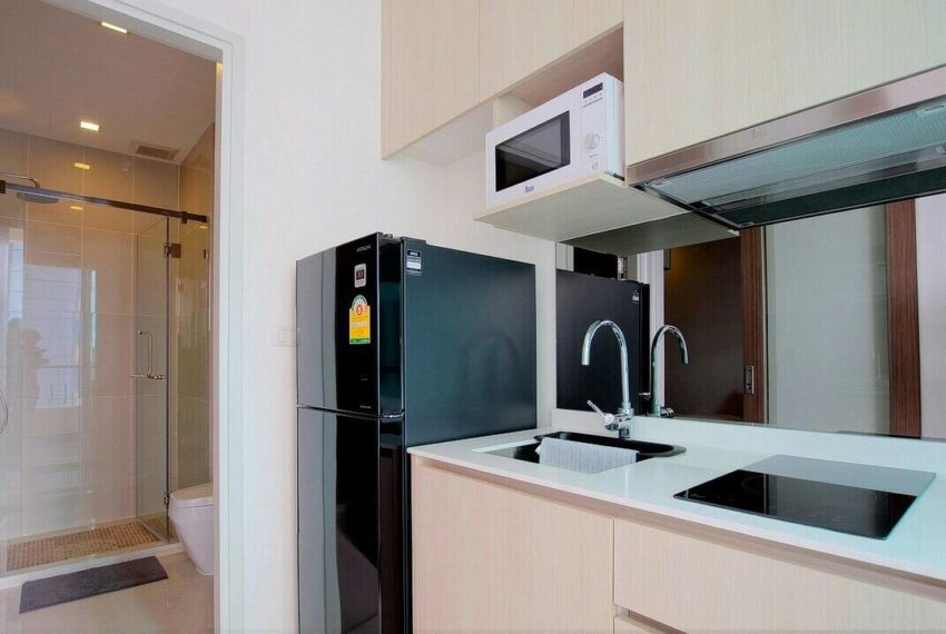 Q-Asoke-1-bedroom-sale-high-floor-kitchen