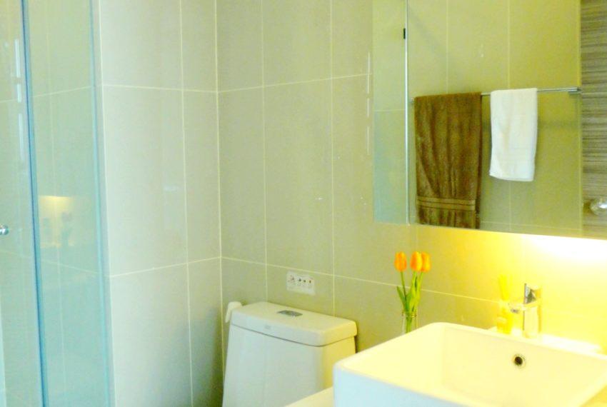 Q Asoke- 1b1b- For rent-bathroom 02