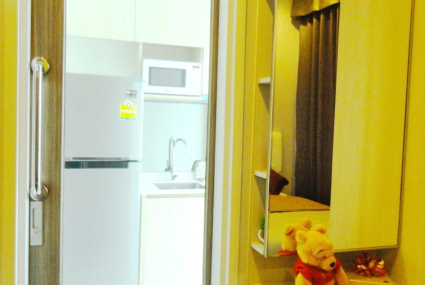 Q Asoke- 1b1b- For rent-kitchen slide door02