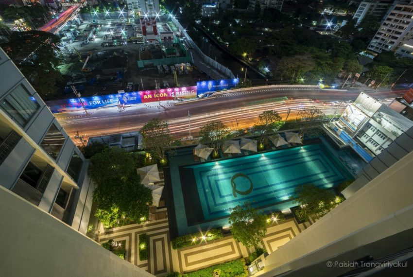 Q-Asoke-1b1b-midfloor-sale-view-balcony
