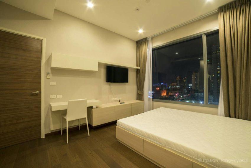 Q-Asoke-1b1b-midfloor-sale-working-coner- bedroom