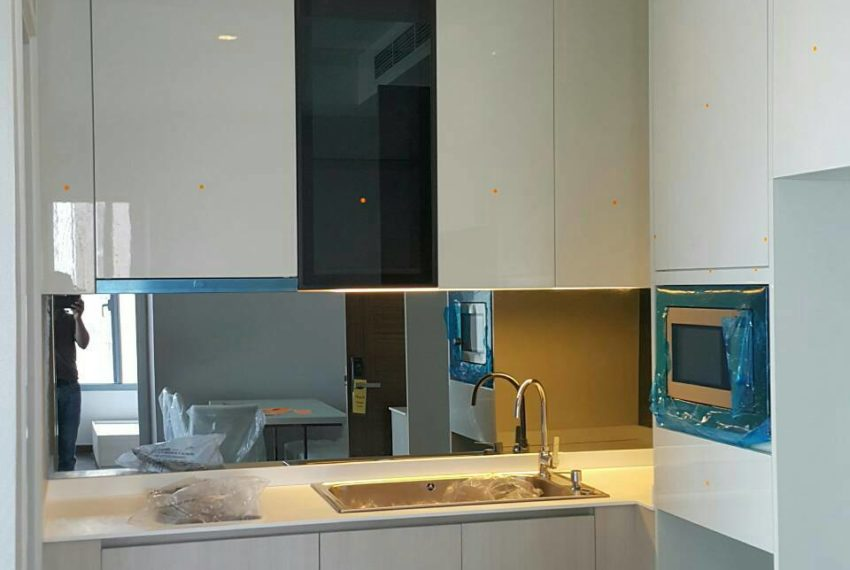 Q-Asoke-2-bedroom-46sqm-sale-high-floor-kitchen2