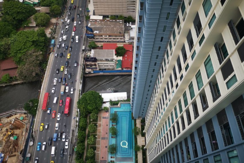 Q Asoke - 2 beds 1 bath -For Sale- Swimming pool view
