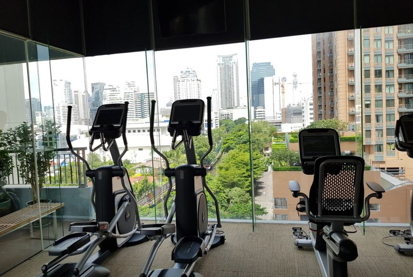 Q Asoke Condominium - fitness room