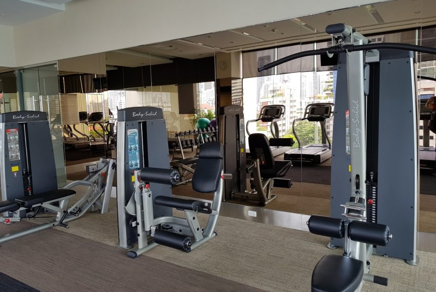 Q Asoke Condominium - gym