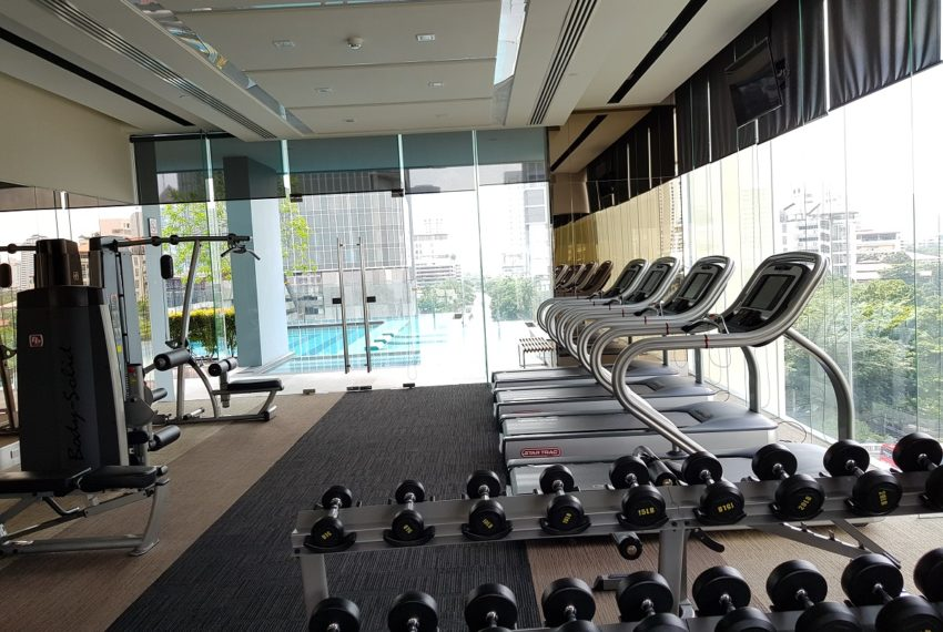 Q Asoke Condominium - gym room