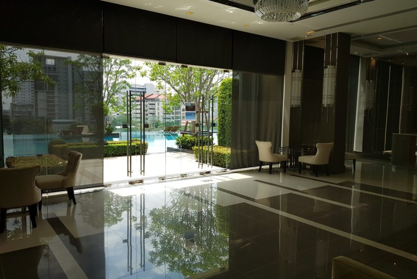 Q Asoke Condominium - meeting room