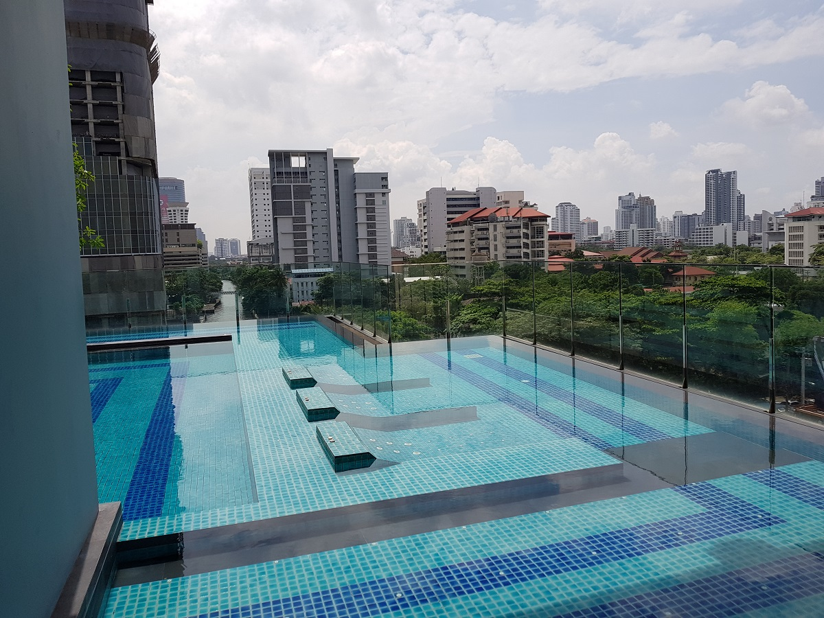 Q Asoke is a brand new condominium project located in Asoke - Phetchaburi - Rama 9. RE/MAX CondoDee offers a choice of luxury condos for sale and rent.