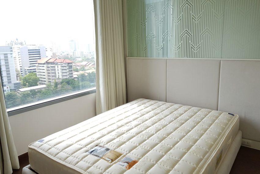Q Asoke condo for sale 2-bed 2-bath bedroom 05