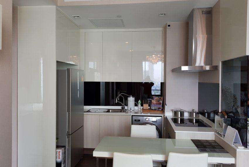 Q Asoke condo for sale 2-bed 2-bath kitchen 01