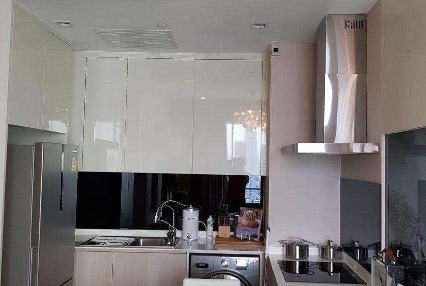 Q Asoke condo for sale 2-bed 2-bath kitchen 02