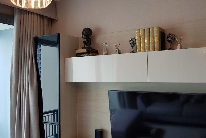 Q Asoke condo for sale 2-bed 2-bath living area