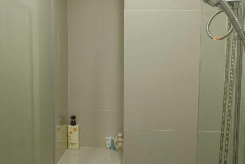 RHYTHM ASOKE 1-bed BATHROOM2