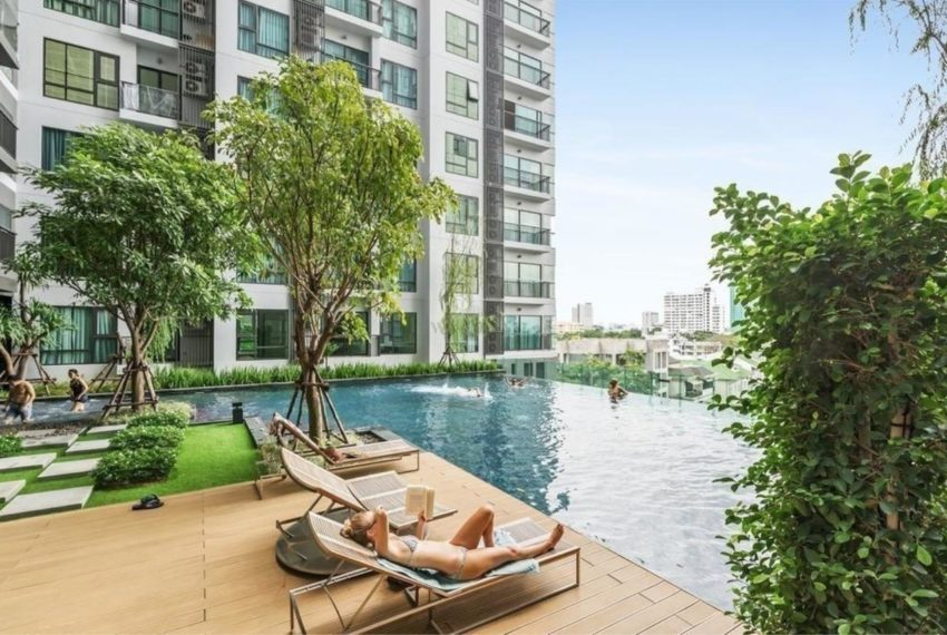 RHYTHM Sukhumvit 36-38 - swimming pool