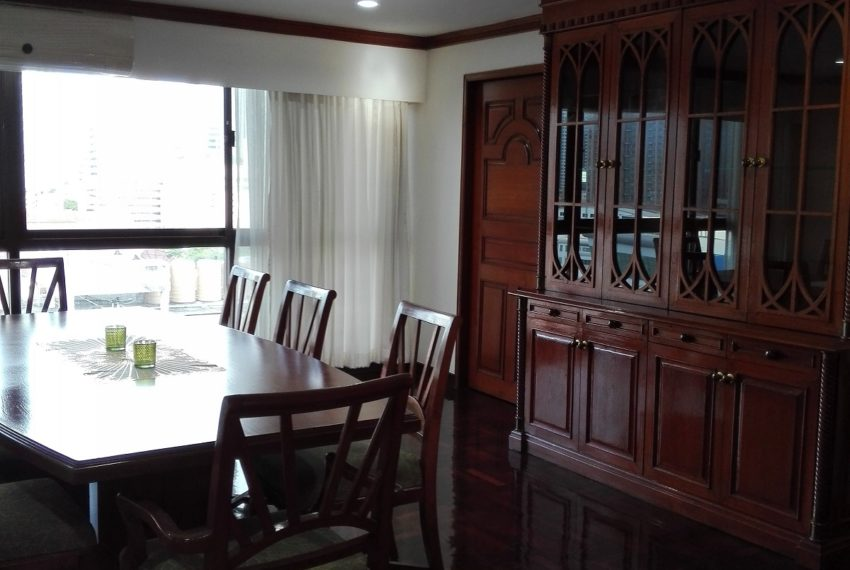 RISHI COURT Tower AB dinning room-Rent