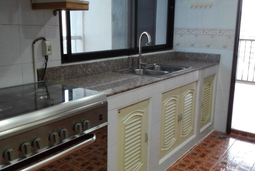 RISHI COURT Tower E kitchen room-rent