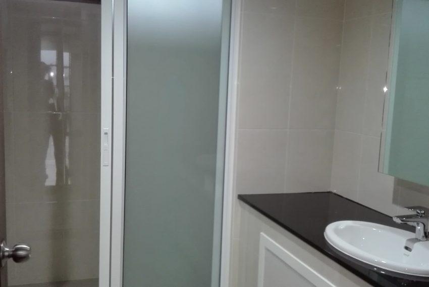 RISHI COURT bahtroom 3-rent
