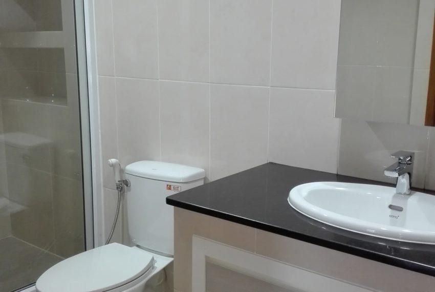 RISHI COURT bahtroom-rent