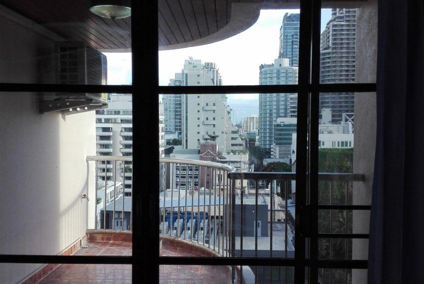 RISHI COURT balcony-rent