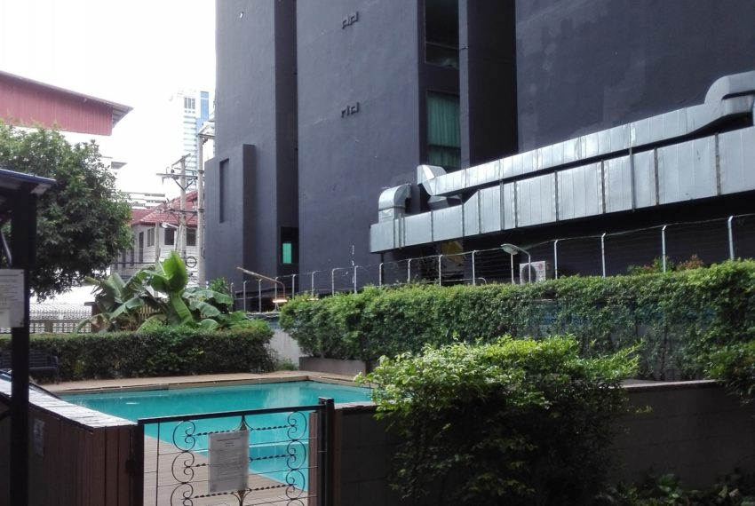 RISHI COURT swimming pool 2-rent