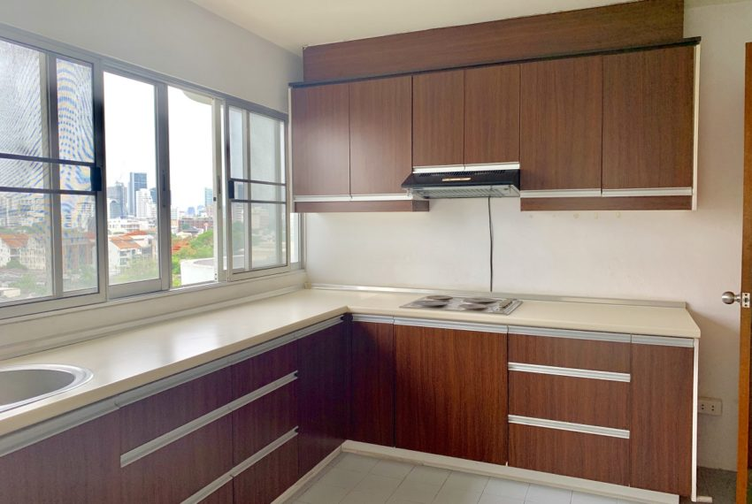 Regent On The Park 3 bed 3 bath - kitchen room