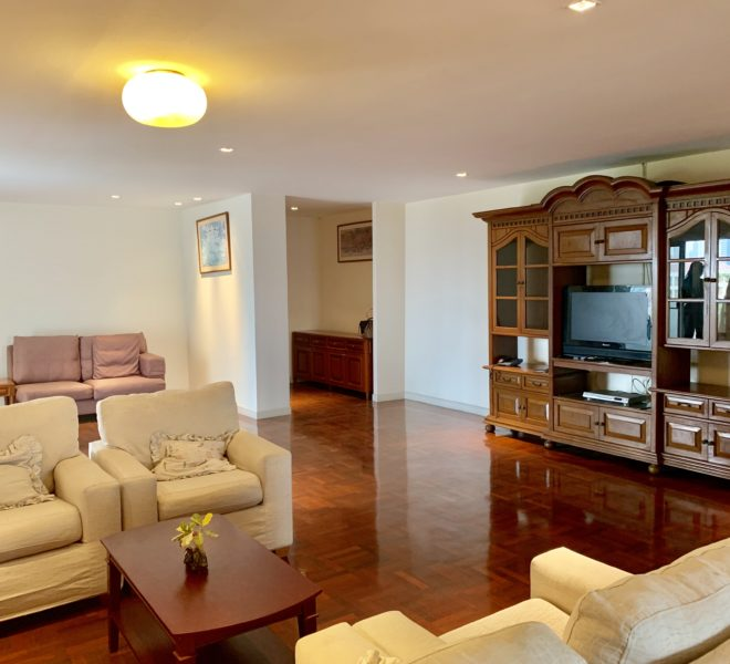 Large 3-Bedroom Condo for Sale in Regent on the Park 3 Condo in Phrom Phong