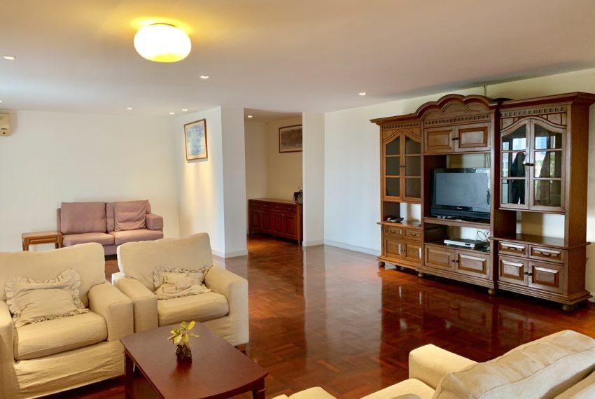 Regent On The Park 3 bed 3 bath living room- 5