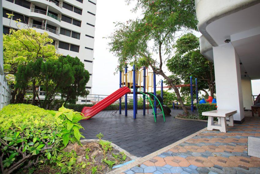Regent on the Park 3 - children playground