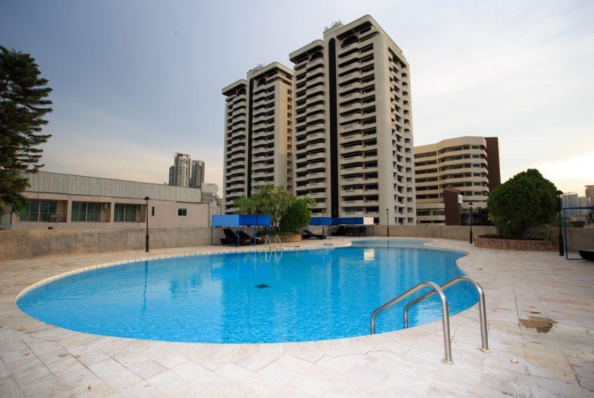 Regent on the Park 3 - pool