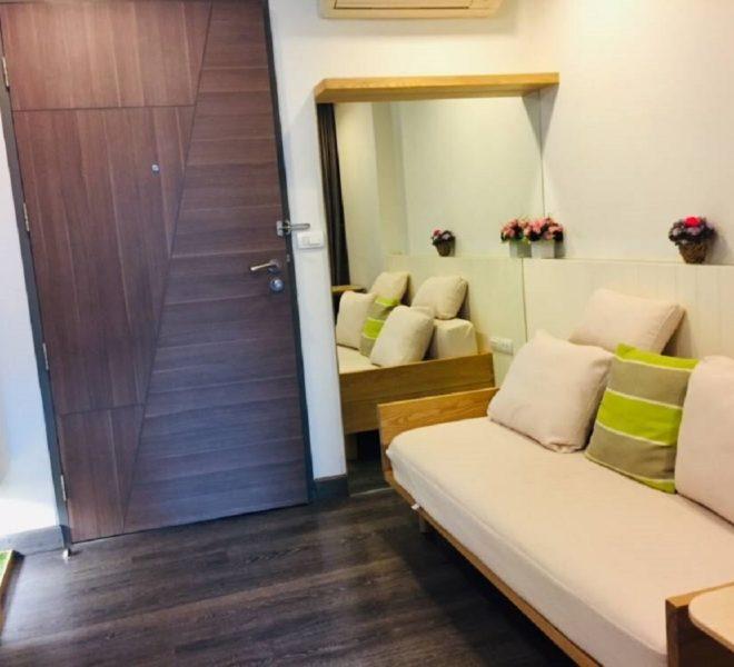 Cheapest rent apartment at Sukhumvit 23 - near University in Asoke - Rende condominium