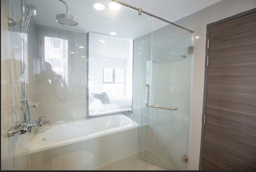 Rende Sukhumvit 23 - 1-bedrom - sale with tenant - bathroom